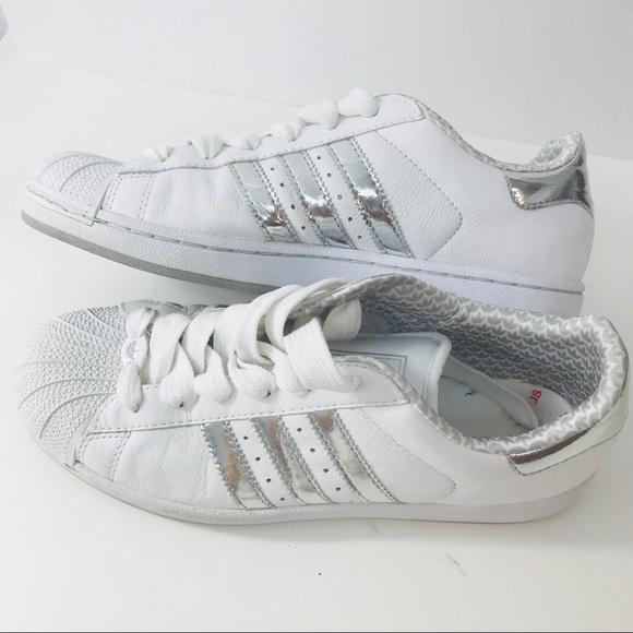 le adidas superstar strisce d'argento taglia 10 euc poshmark bianco